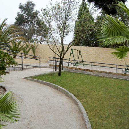 Zona exterior, jardín, zona infantil